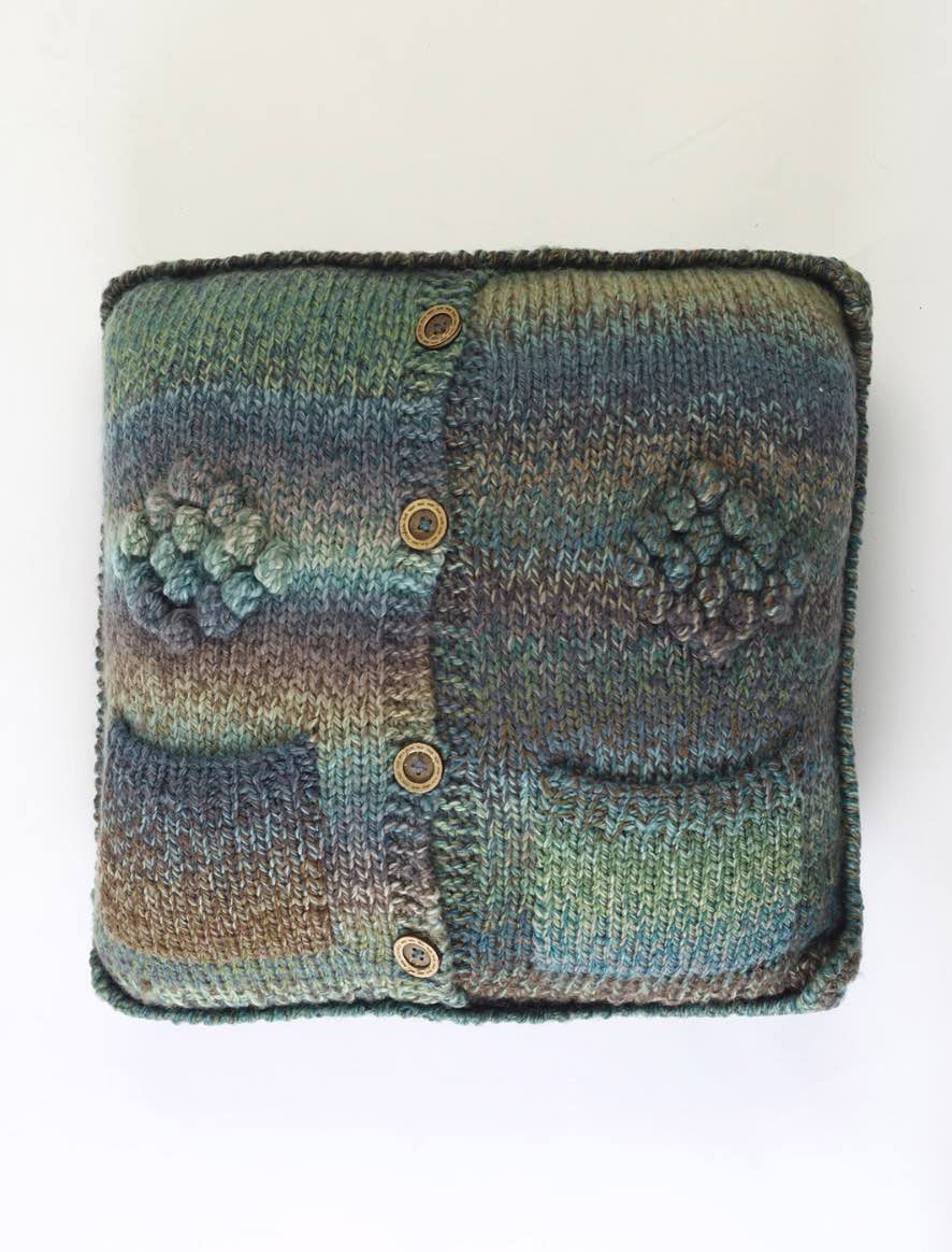 153 | Cardigan cushion