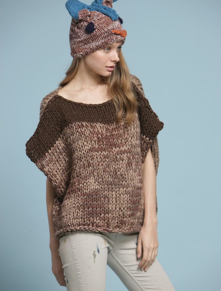 111 | Sleevesless Large Sweater